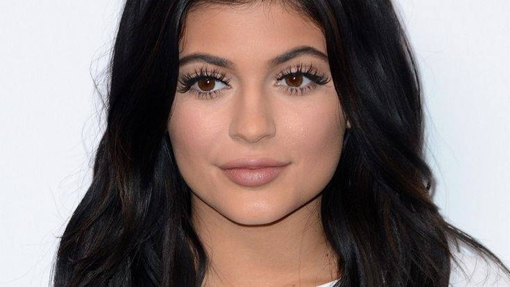 Shocker: Kylie Jenner's Exhaustive 16-Step Makeup Routine Is a Sight toBehold   StyleCaster