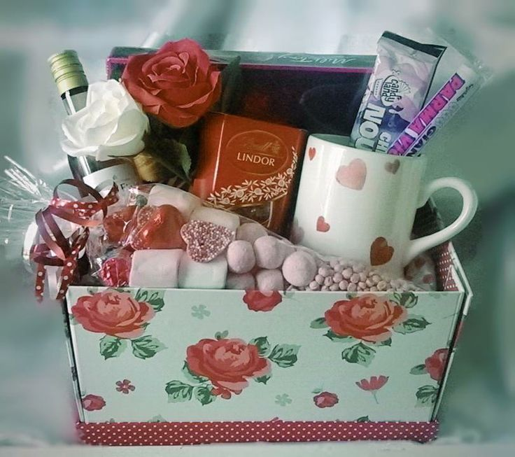 #MothersDay Gift Idea. #SweetnGroovyStuff Gift #Hamper  Selection osfSweets, #Chocolate #Wine in lovely #vintage style box #Mum #Birthday www.facebook.com/sweetngroovystuff