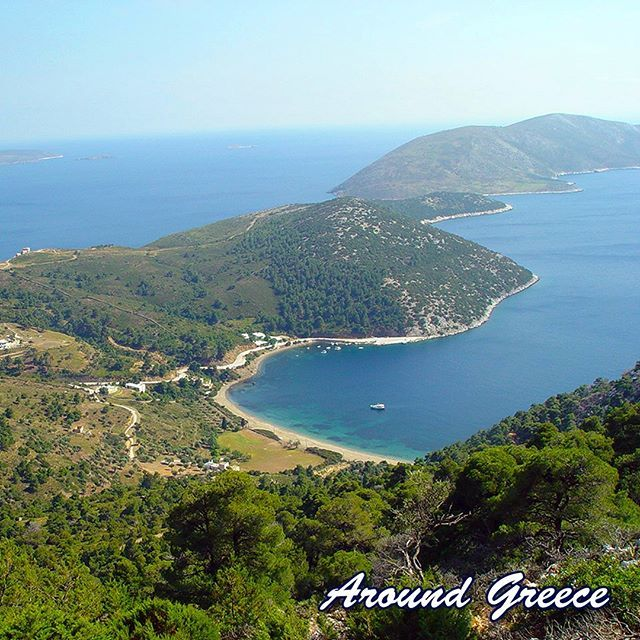 Located in the Aegean sea and part of the chain of islands known as the Sporades Skyros is very beautiful and is a perfect holiday destination for those who are seeking a more traditional and authentic Greek island.  http://ift.tt/2r0QAeu  #Skyros #Greece #Greekislands #Sporades #Aegean #holidays #travel #vacations #aroundgreece #visitgreece #tourism #Σκυρος #Σποραδες #Ελλαδα #ΕλληνικαΝησια #διακοπες #ταξιδι