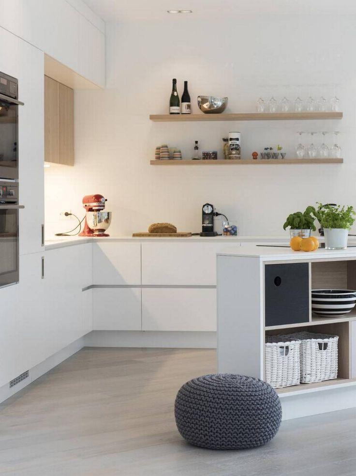 Da Tove Granmo og familien skulle bygge hus i Kristiansand, nyttet det ikke med en ferdigkjøpt kjøkkenløsning.