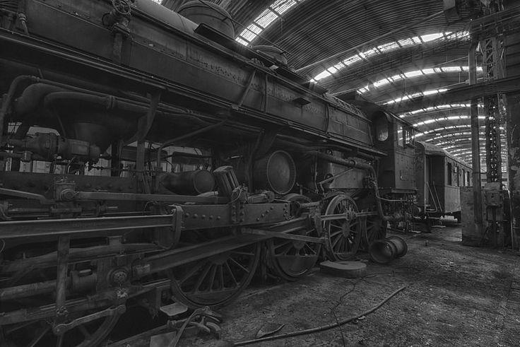 Old Locomotive - B/W