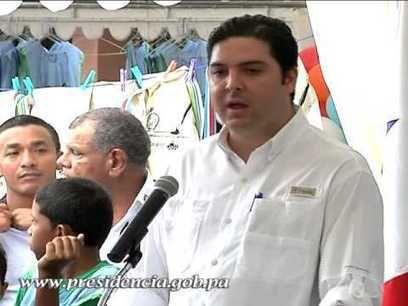 Presidente Martinelli inaugura viaducto Avenida de Los Mártires