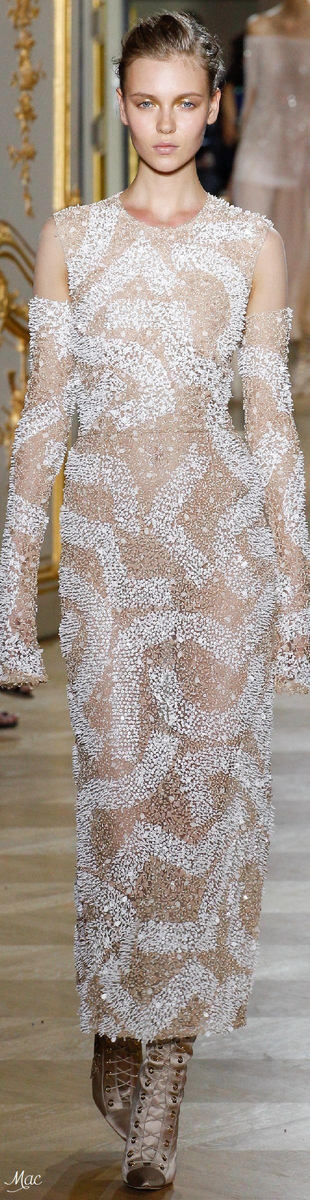Fall 2016 Haute Couture - J. Mendel
