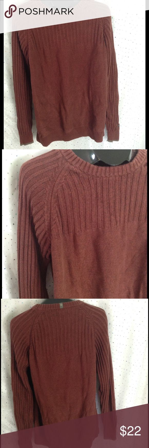 MENS XL Columbia Rust Ribbed Sweater Classic heavy weight rust colored sweater with the quality you trust from Columbia.  Ribbed at the shoulders and chest. Columbia Sweaters Crewneck