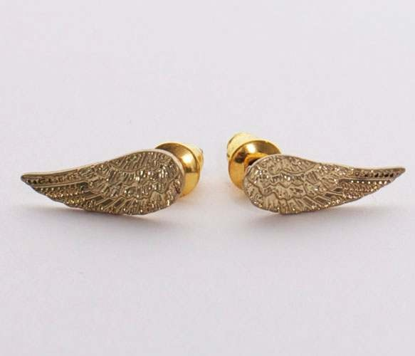 Gold Angel Wing Earrings... i like these better!!! even though im more of a silver girl