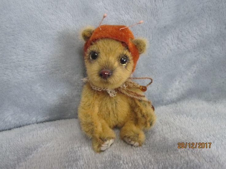 R548 Bearish, dostal na Vianoce od Ivi-ny čapičku :-)