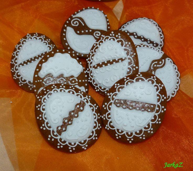 Easter gingerbread in white veľkonočné medovníčky v bielom