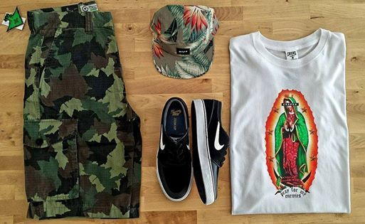LRG Classic Camo  HUF Birds Of Paradise 5 Panel Multi Grey  Nike Stefan Janoski Black White  Crooks And Castles Pray T-Shirt White www.ImperatorShop.ro