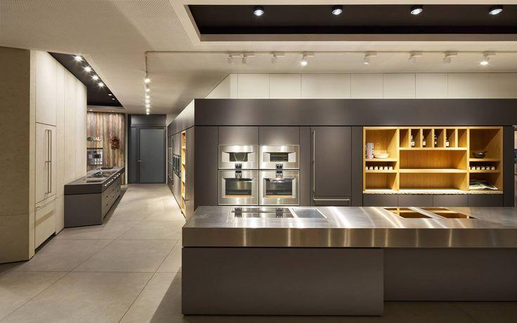 ceiling: lui pico, Più alto | pendular: Divo sospeso || kitchen: Gaggenau