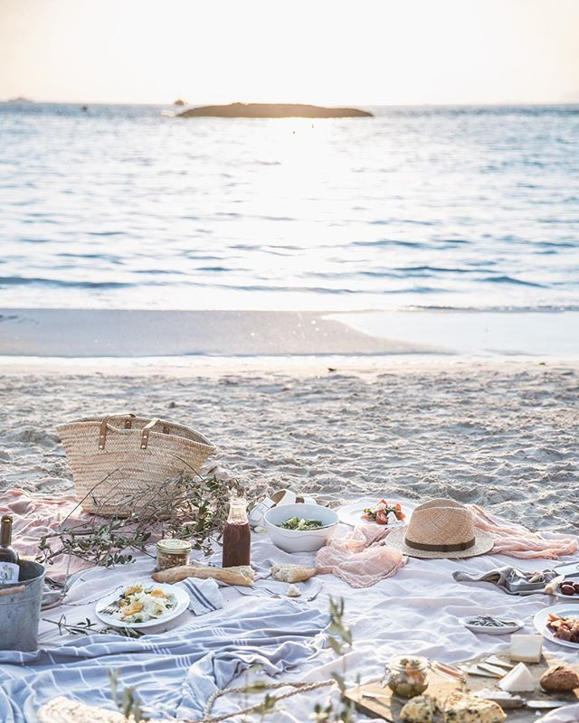 A sunset picnic in pastels, the last dinner of our slow living retreat on the…