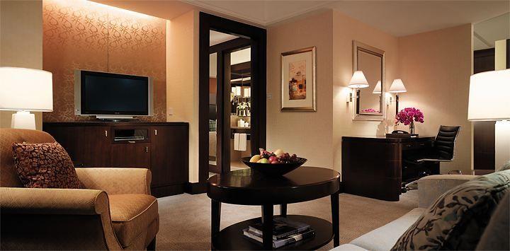 SLXN-Premier-Room