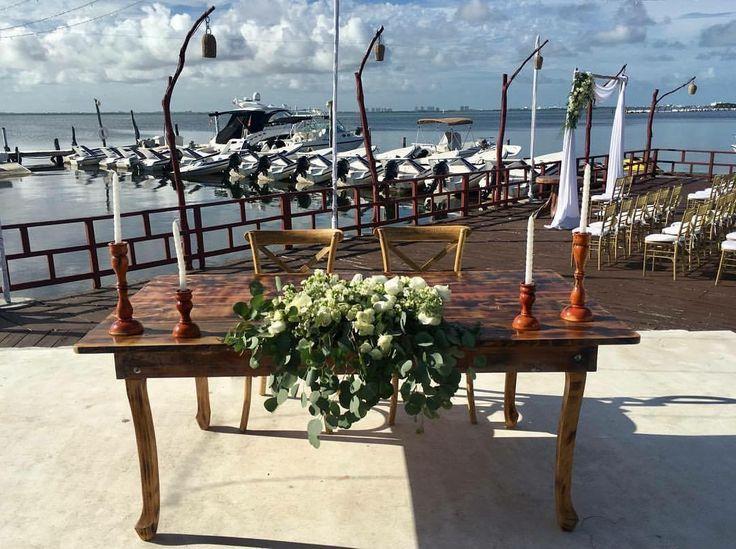 CBC376 wedding rivera maya sweet heart table white flowers centerpiece/ centro de mesa para mesa de novios flores blancas