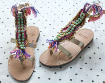 Questi sandali ben luminosi sono progettati per eventi di lusso.  * Handmade 100% * Vera pelle  FORMATO DEL ♥ ♥ ♥ ♥ ♥ ♥ ♥ ♥ ♥ ♥ DEL GRAFICO  EU 35...