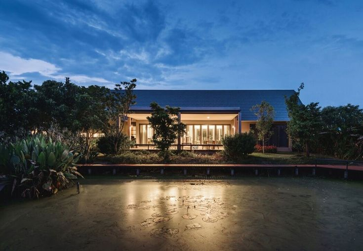 Triangle House by Phongphat Ueasangkhomset | HomeAdore