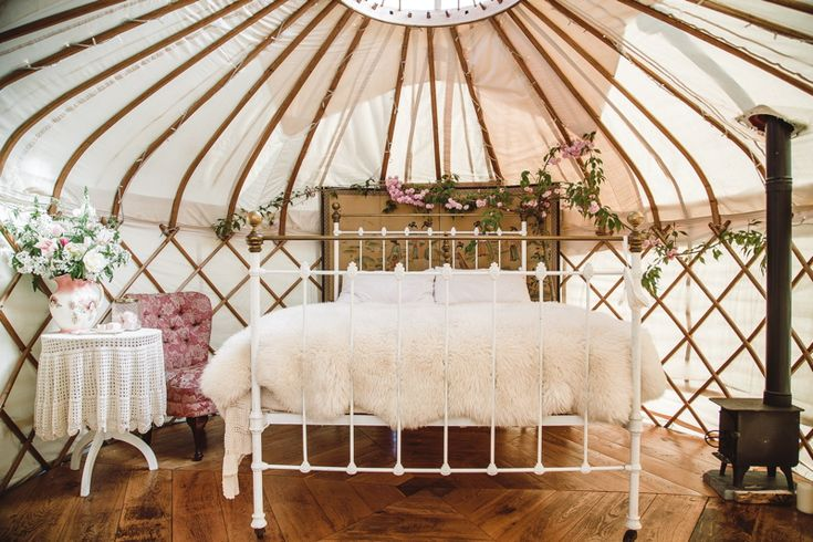 Wedding Venues in Nationwide | Wedding Yurts | UK Wedding Venues Directory - Image by Rachel Lilly Photography.
