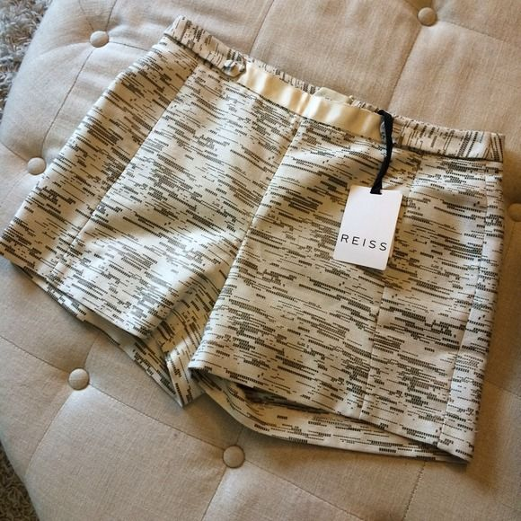 🎉HPx3!🎉 NWT Reiss Cream & Metallic Shorts New with tags, Reiss shorts in cream with bronze metallic thread detail. Button-tab and grosgrain detail at waist, zipper back enclosure. Size 6. Reiss Shorts
