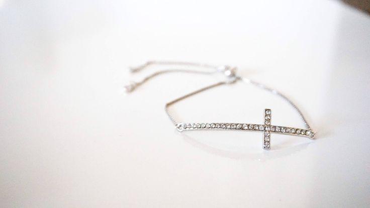 Le chouchou de ma boutique https://www.etsy.com/ca-fr/listing/294386445/bracelets-ajustables-argent-plaque