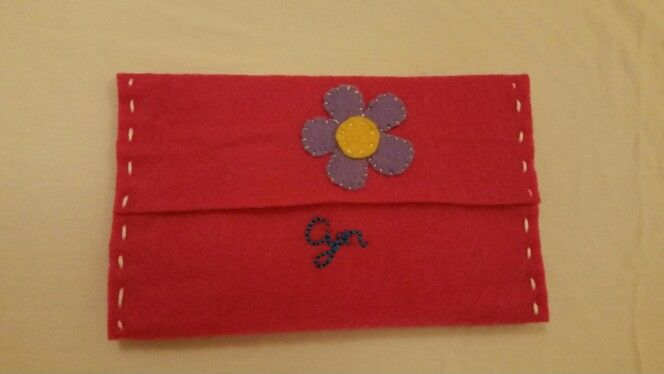 Felt tissue pouch - flower