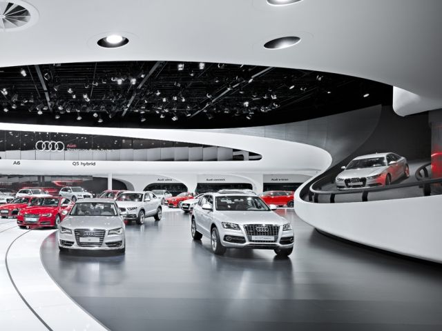 1000 images about car showrooms on pinterest lighting design futuristic interior and audi a. Black Bedroom Furniture Sets. Home Design Ideas