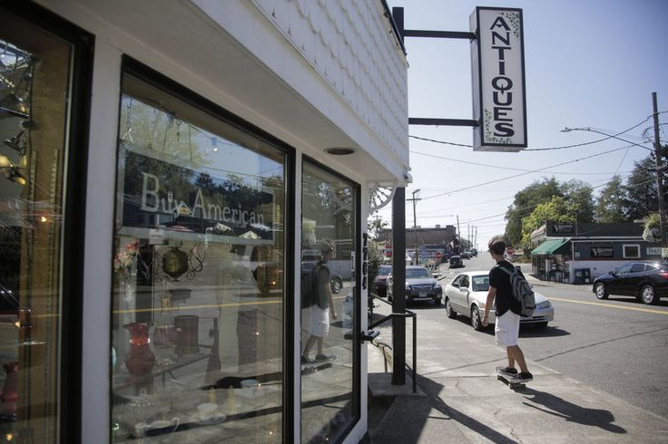 Walkabout: Charming Multnomah Village claims 105-year-old business district (photos) | OregonLive.com