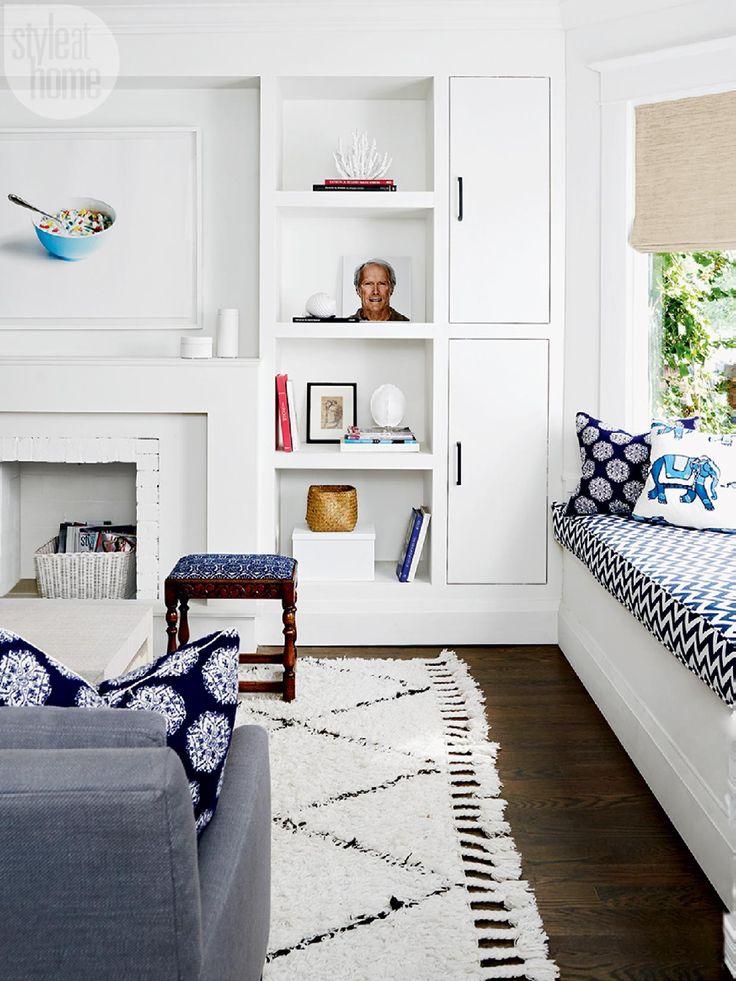 House tour: Living room with  eye-catching artwork {PHOTO: Michael Graydon}