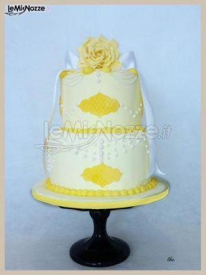 http://www.lemienozze.it/gallerie/torte-nuziali-foto/img34458.html Torta nuziale sui toni del giallo