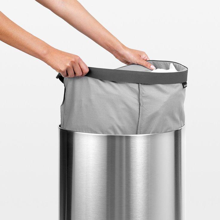 Koše na prádlo Brabantia obsahujé pevné bavlněné vaky na prádlo pro maximální komfort během přenášení k pračce.
