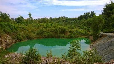PERGIPEDIA  - Pemandangan Eksotis Telaga Warna Tulungagung Danau Dengan 4 Warna . Kabupaten Tulungagung selain memiliki obyek wisata pant...