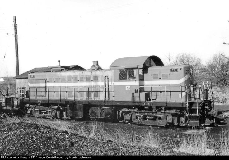 MDDE 22 sits at Clayton,DE   Description:  from the collection of Dennis Schmidt   Photo Date:  4/16/1978  Location:  Clayton, DE   Author:  Dennis Schmidt  Categories:  Roster  Locomotives:  MDDE 22(RS1)