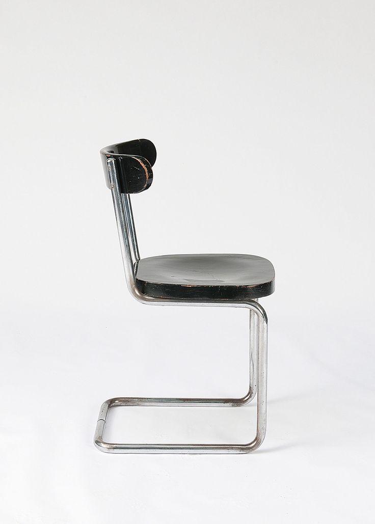 Mart Stam 'B 263' cantilever chair, c1931. Made by Thonet, Frankenberg. Lot 106B108 - quittenbaum auction
