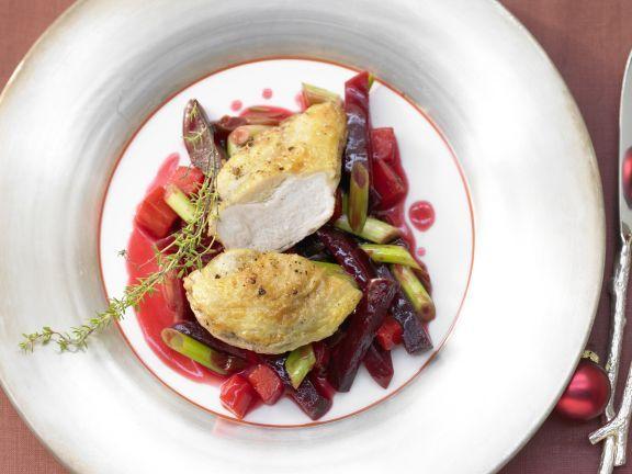 Gebräunte Perlhuhnbrust punktet mit einer ordentlichen Portion verschiedener Vitamine und Mineralstoffe und reichlich Ballaststoffen aus dem Gemüse.