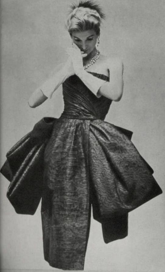 3312 Best Vintage Glamour Images On Pinterest Vintage Fashion Fashion Vintage And Vintage Gowns