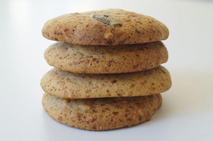Lækre, sukkerfri, glutenfri peanutbuttercookies.