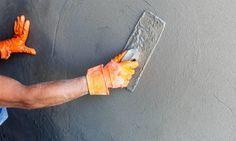 Comment faire du béton ciré sur du carrelage ? : http://www.travauxbricolage.fr/travaux-interieurs/cloison-amenagement/faire-beton-cire-sur-carrelage-sol-mural/