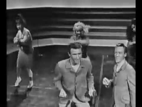 The Righteous Brothers - Little Latin Lupe Lu -- live -- (Shindig pilot episodej) rememhber the Watusi?... watch Bill and Bobby cut the Shrug, on the last chorus...