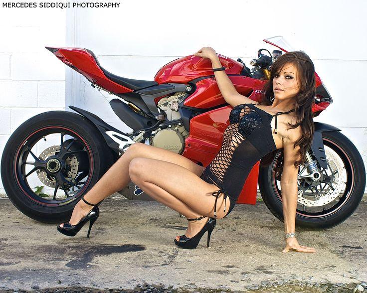Biker Babes & Bikini Contests Born To Ride Motorcycle