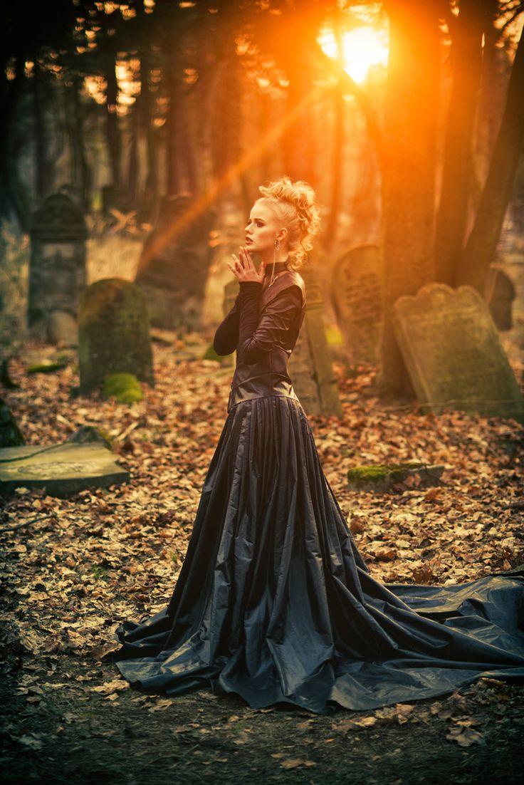 Photographer: Nicholas JavedDesigner: Justyna Waraczyńska-VarmaHair/Makeup: StudioadriaModel: Aleksandra Olbryt