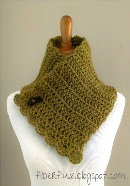 Lemon Balm Button Cowl by Fiber Flux I'd do this in another color