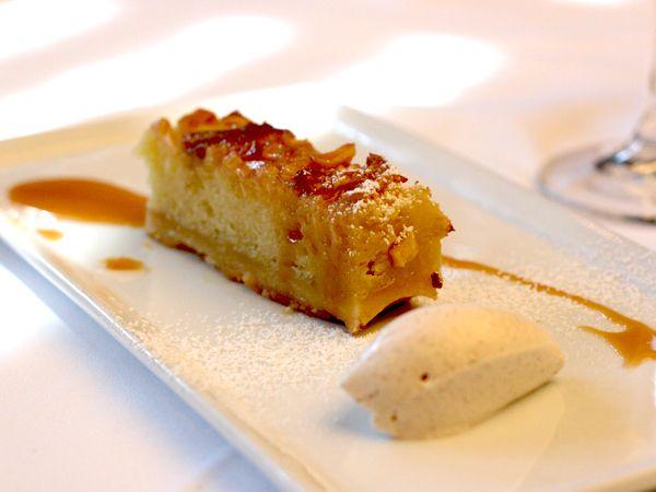 Apple bread pudding presentation idea - The Delicious Life