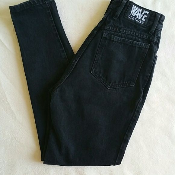 VTG WAVE CLOTHING Black High Waist Skinny Jean Vintage Chic black high Waist Jeans by Wave Clothing size 4. Flat lay measurements are  12' waist / 18' hip / 11' rise / 27' inseam. In excellent used condition. Please let me know if you have any additional questions before purchasing. Price Firm!!! Vintage Pants Skinny