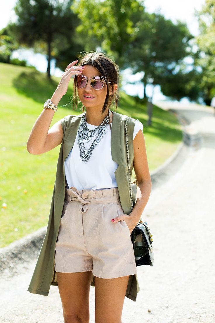 BEST. FASHION. BLOGGERS. - Lovely Pepa / KHAKI VEST http://ift.tt/1JRIrW5 //...