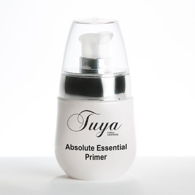 Our excellent pre-foundation primers, at Tuya Cosmetics, are 100% natural  with moisturising benefits. Formulated with essential oils and vitamins to vitalise, moisturise and protect skin, our primers are perfect for all day wear.