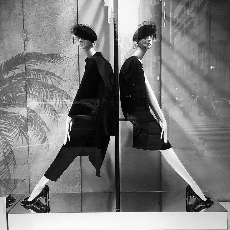 """MAXMARA, Chicago, Illinois, """"Fashionable Delight in Black and White"""", photo by Kristin, pinned by Ton van der Veer"""