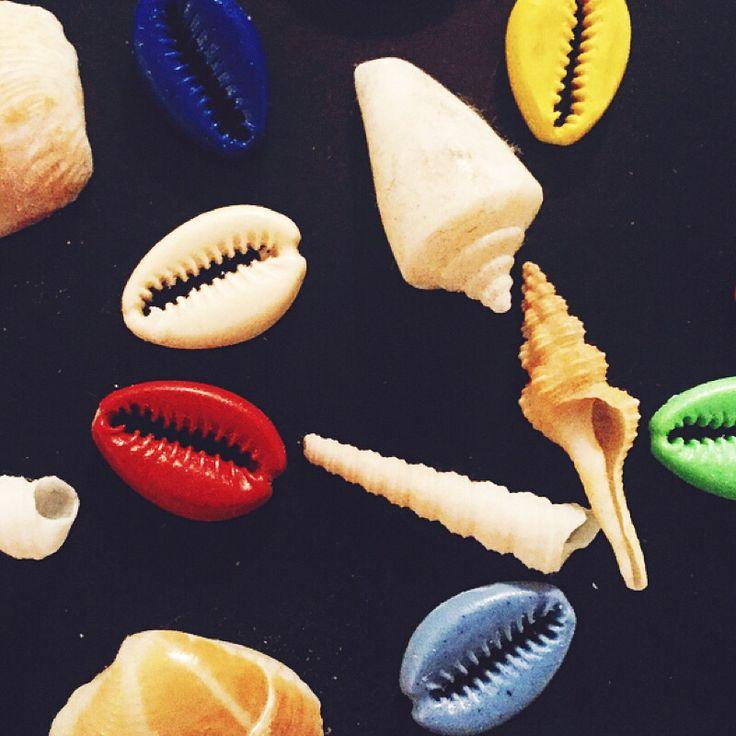 Trova le Conchiglie #FG tra le Conchiglie  #novità #bijouxfg #newin #shells #resin #colour #handmade #findthedifference #felicita #conchiglia #estate #bracialetti #pazzeschi #welcome #genova #jewelry #summer #shell #bijouxfgaddicted #customizeyourjewelry
