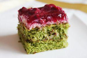 Dit recept komt van de website Turksekok.nl                     Ispanakli kek tarifi , of ook wel spinazie cake recept, wordt veelal aang...