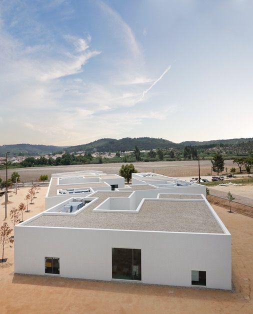 Aires Mateus centros escolares . abrantes