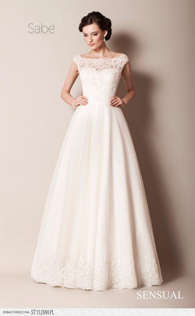 Cudownie lekka i skromna suknia ślubna...