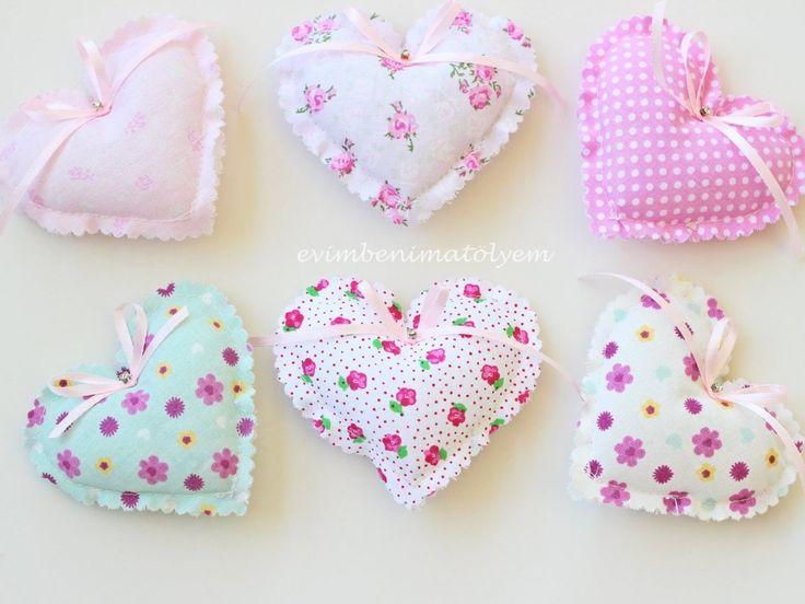 Çeşitli model ve desende kumaşlardan hazırlanmıştır. Kız bebekler için bebek şekeri veya nikah şekeri olarak kullanılabilir.