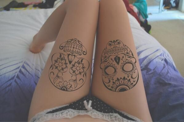 I'm not a big fan of skulls but these are very pretty!