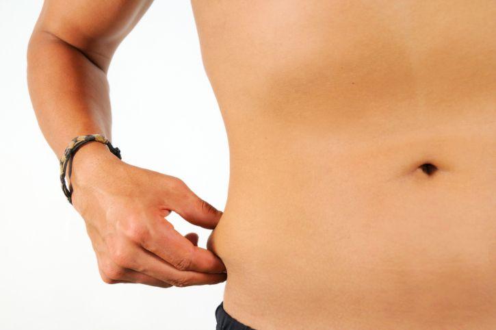 Cinq exercices de musculation pour perdre les poignées d'amour - Un peu de sport pour éliminer les bourrelets disgracieux